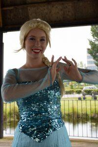 Koningin Elsa huren inhuren feestje evenement