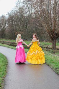 Doornroosje en Belle inhuren bedrijven karaktersturen prinsessenhuren prinsessen huren kinderfeestjes entertainment kinderentertainment
