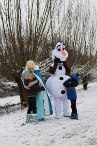 Elsa huren Olaf huren IJskoningin huren duo huren indoor speeltuin entertainment kinderen