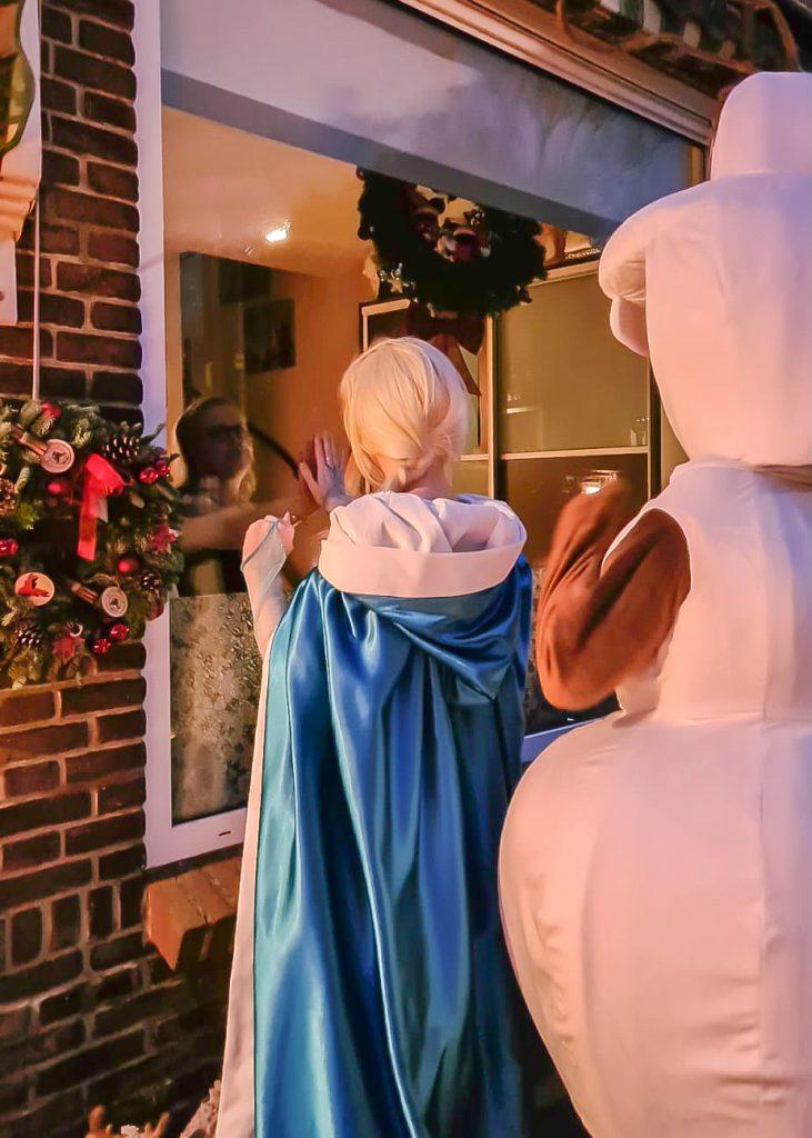 Zieke kinderen Elsa huren Olaf huren rozen bezoek ziekenbezoek frozen